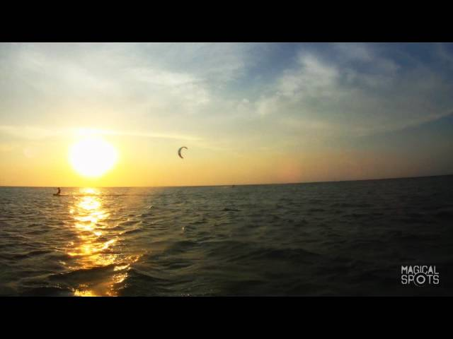 MEXICO | Kitesurfing Session on a Desert Island  | magicalspots.com