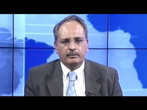 Market in consolidation mood, buy banks, avoid IT stocks: Sanjiv Bhasin
