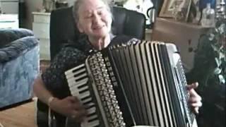 nozie - 163 - I'll Never Fall In Love Again- on accordeon