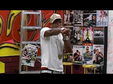 TOXIC CROW CANTANDO NO CONOSCO EL MIEDO EN LA ESCALERA TV DE SPM