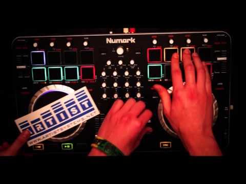 AUDIO PRO ARTIST REVIEW -  numark mixtrack quad