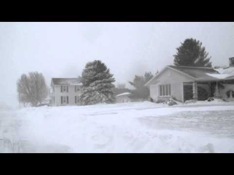 Extreme Blizzard Conditions:  Dubuque, Iowa (12/20/2012)