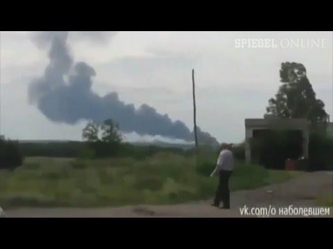 Flugzeugabsturz: MH17 offenbar von Rakete abgeschossen