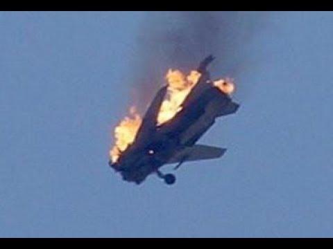 Российский самолет-разведчик Ил-20 попал под огонь дружественных сирийских ПВО.