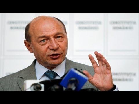 Rumanía decide en referéndum la destitución del presidente Basescu