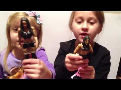 The Little Grimmette Show: WWE Divas figures! Smashing Transformers! General insanity!