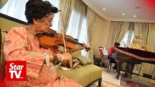 Siti Hasmah: Stay in touch with your children | Mother's Day Exclusive