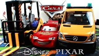 Disney Pixar Cars Lightning McQueen CRASH : BRUDER Mercedes Tow Truck & Loader