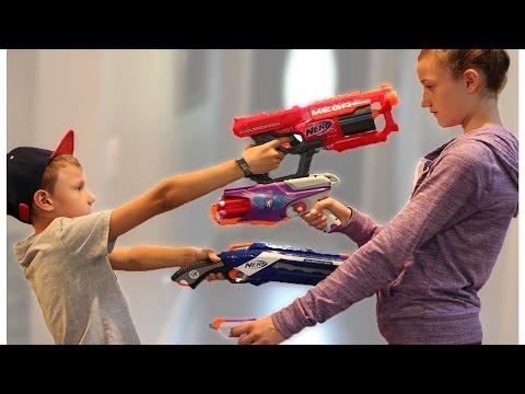 Nerf WAR! BOY vs GIRL!
