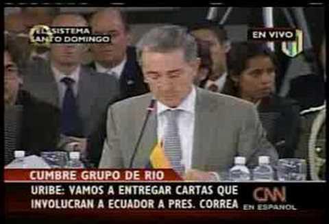 Alvaro Uribe destroza a Rafael Correa