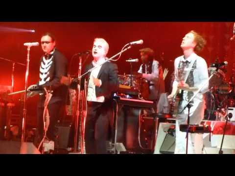 Arcade Fire - Dream Baby Dream w/ David Byrne HD @ Barclays, night3