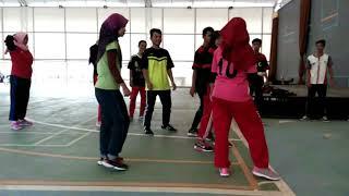 Praktek permainan kelompok 4