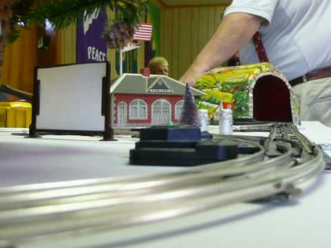 My portable train layout - Christmas 2009 -raw footage Video