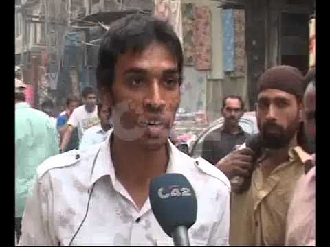 Poor Citizens Use Clothes Shopping Landa Bazaar Delhi Gate Pkg By Sajjad Bhutta City42 video