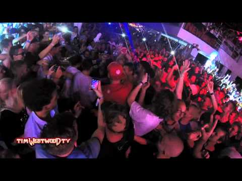Redman & Method Man Crazy Stage Dives Fresh Island Fest Croatia | Hip-hop, Uk Hip-hop, Rap