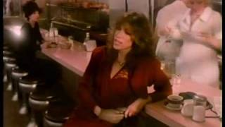 Watch Carly Simon It Happens Everyday video
