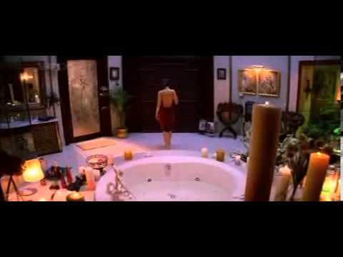 Kareena Kapoor Bathing Backless Very Hot## video