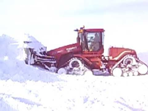 Case IH 535 QuadTrac Pushing Snow YouTube