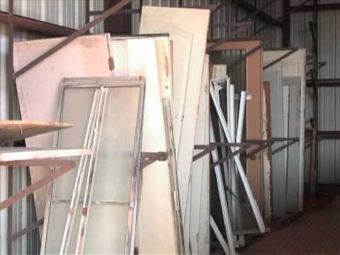 EEUU: ex profesor construye casas sólo con material reciclable