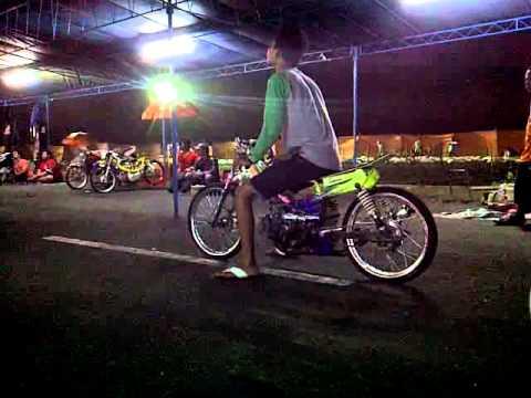 Drag Bike pantai depok Yogyakarta.3GP