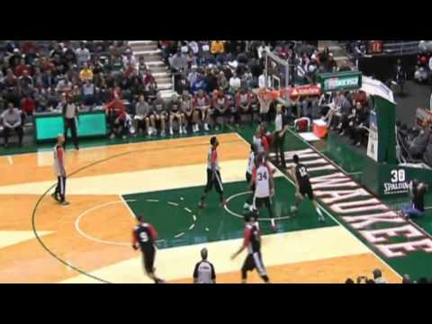 Jabari Parker Impresses During Milwaukee Bucks Preseason Scrimmage