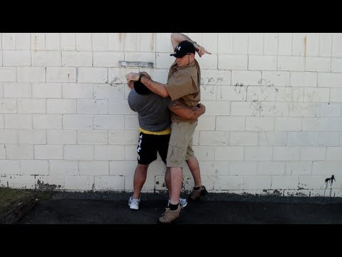 BIG GUY BEATDOWN!!! DIRTY FIGHTING on the STREET! Image 1