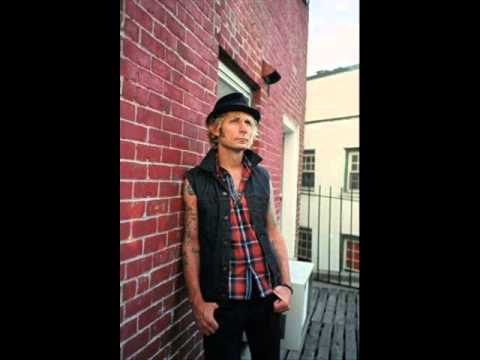 Mike Dirnt Interview on WBER Radio 2013