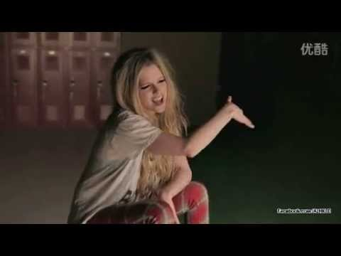 Avril Lavigne - Here's to Never Growing Up (BTS - Extended Version)
