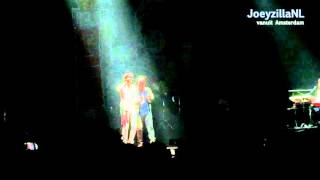 Mika verrast Paul de Leeuw in Heineken Music Hall Amsterdam [HD] - JoeyzillaNL