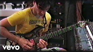 Steve Vai - 1989年6月頃に撮影された「Passion and Warfare」レコーディング時の貴重映像を公開 thm Music info Clip
