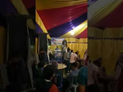 Om Feri live show