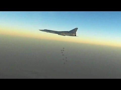 Российские дальние бомбардировщики нанесли удары по арсеналам террористов в Сирии.