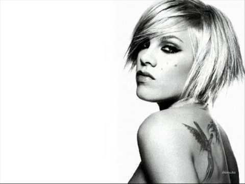 P!nk Ft. Travis McCoy - This Is How It Goes Down