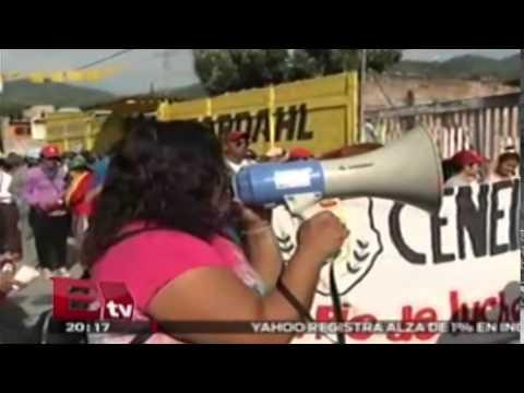 Marcha, bloqueos y toma de ayuntamientos en Tixtla, Guerrero / Paola Virrueta