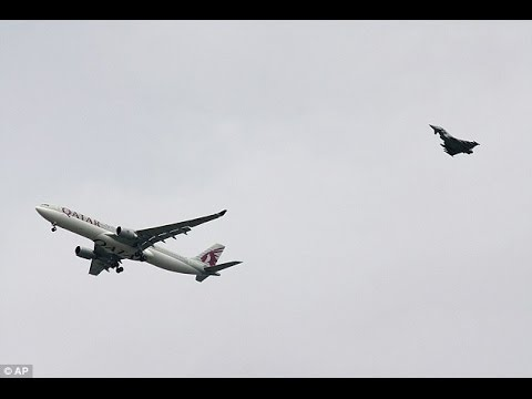 Plane emergency - Moment Fighter Jet Escorts Passenger Plane To Manchester Airport