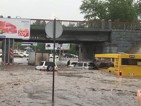 Ливневые дожди затопили Новосибирск