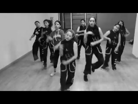 COLLAPSE- EMINEM ESENTRIK REMIX- CHOREOGRAPHY BY LILIANA BORJA