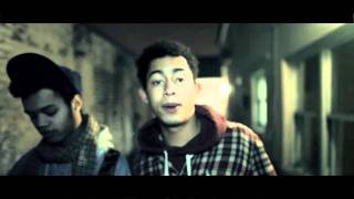 Watch Rizzle Kicks Burning Stuff - Fly Me To The Moon video