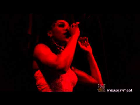 FKA twigs - Give Up (NYC DEBUT live @ Glasslands 4/16/14)