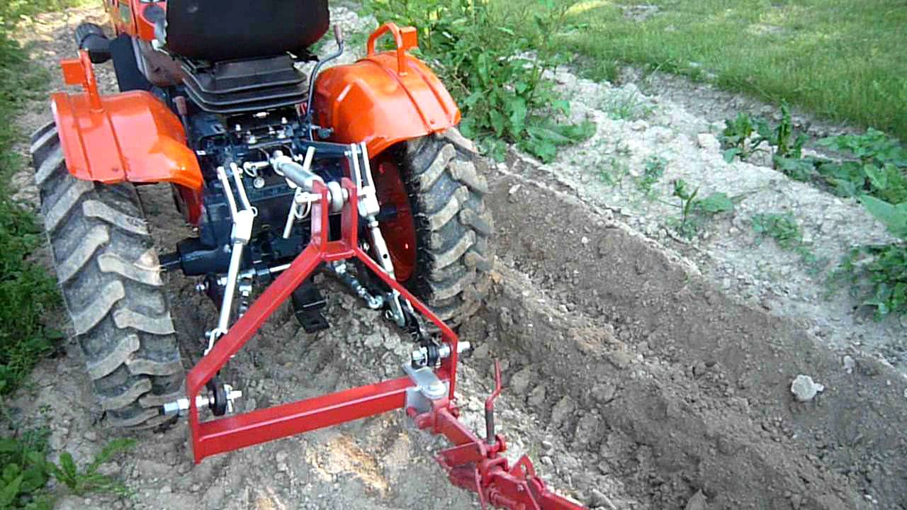 ets meynie charrue de motoculteur adaptee derriere un micro tracteur youtube. Black Bedroom Furniture Sets. Home Design Ideas