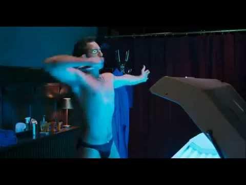 Scene from Deuce Bigalow - Gigolo Por Accidente En