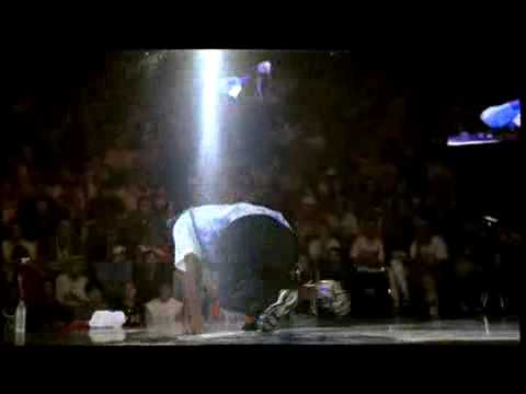 Roxrite Vs. Pelézinho- Red Bull Bc One 2006 - High Quality video