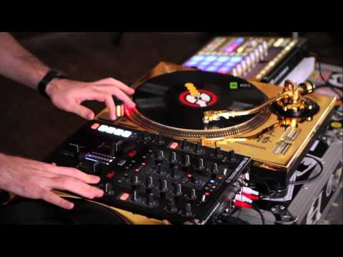 TRAKTOR KONTROL Z2+Mashine (Best gears on the Market for Traktor Dj's)
