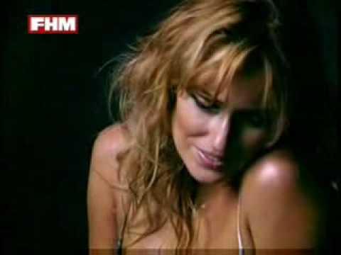 Carolina Cerezuela - Sesión de fotos FHM Noviembre 2007