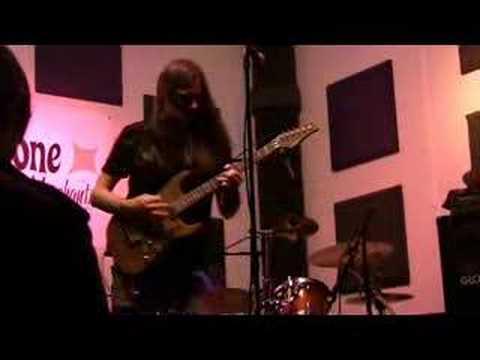 Reb Beach solo improvisation @ Suhr Tone Merchants NAMM 2008