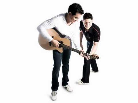 Cover image of song Domingo by Henrique e Diego