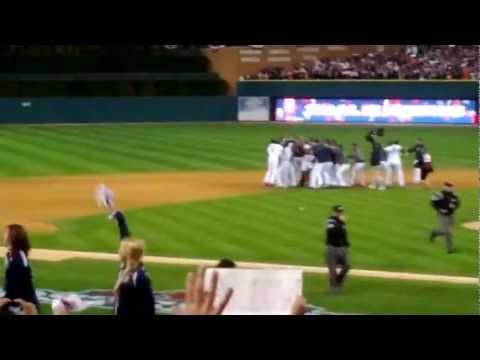 2012 ALCS Game 4: Detroit Tigers vs. New York Yankees, Final Out