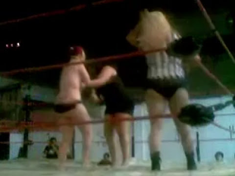 Lucha de prendas sexy queen Vs dark fantasy