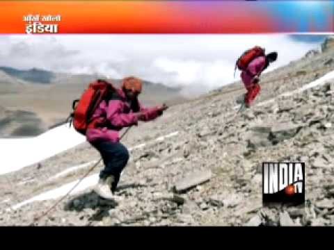 Despite an Artificial Limb Arunima climbs Mt Everest !