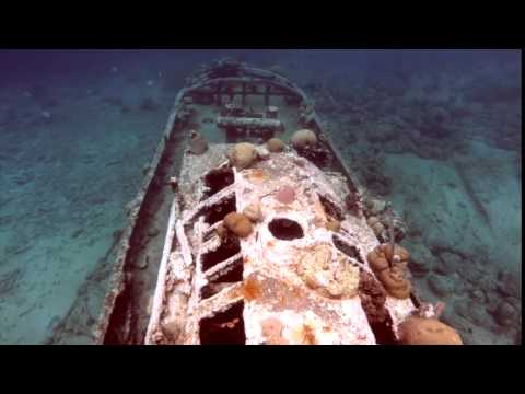 Sunken tug boat in Curacao 2015 with GoPro